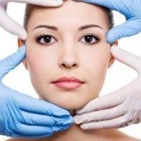 Strukturiertes Verjüngen und Modellieren des Gesichtes