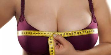 Wie heilt die Narbe nach einer Bruststraffung ab?