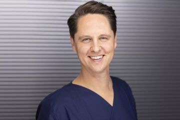 Dr. Hecker