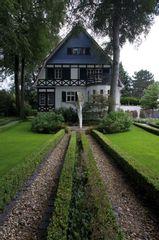 Haus a Fachw front LR