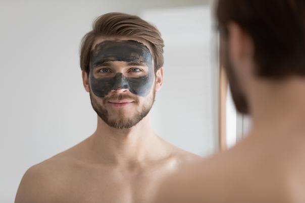 Eine gute Hautpflege ist unerlässlich um Mitesser vorzubeugen