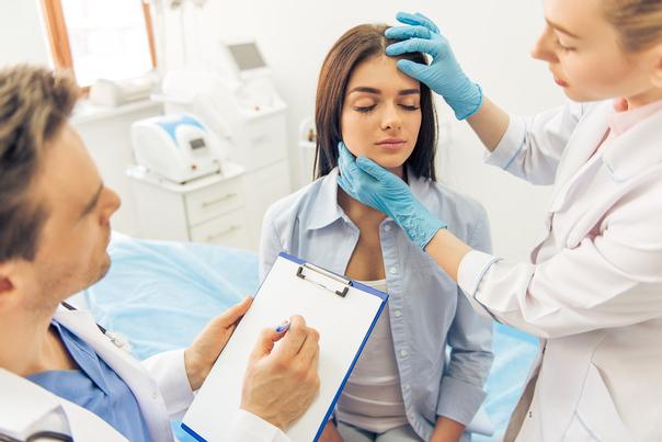 Der behandelnde Arzt steht für alle Fragen und Zweifel vor und nach dem Eingriff zur Verfügung