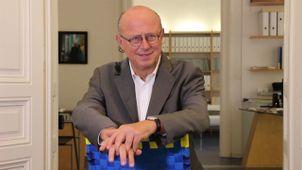 Gesichtsproportionen als Basis für eine individuelle Gesichtsverjüngung.Univ.prof.ddr. Kurt Vinzenz
