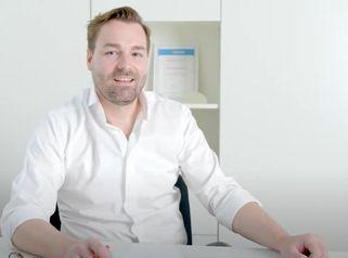 Operative Brustverkleinerung München - Dr. Maximilian Eder
