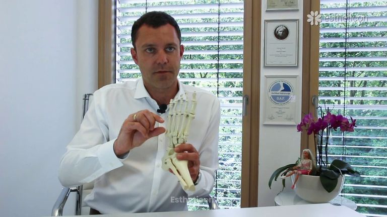 Was wird bei einer Zehenverlängerung durchgeführt? Dr.Adrian K. Wiethoff